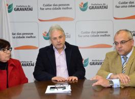 Prefeito Marco Alba recebe deputado federal Jones Martins