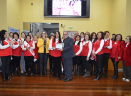 Primeira-dama participa de sess�o solene em homenagem aos 25 anos do Clube de M�es Irm� Dulce