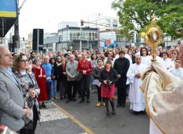 Comunidade gravataiense celebra Corpus Christi