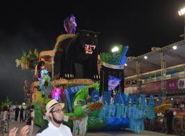 Acad�micos realiza grande desfile na primeira noite do Grupo Especial do Carnaval de Porto Alegre